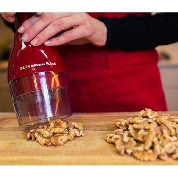 תמונה של סלט בורגול, אגוזים ועשבי תיבול