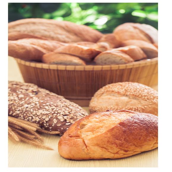 תמונה של לחם כפרי עם אגוזים וחמוציות